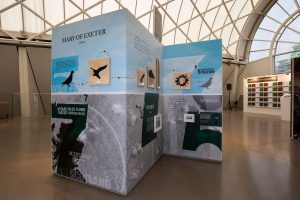 DM75 The Relentless - Exhibition Showing Dickin Medal Recipients, WWII Pigeons Mary of Exeter And Winkie